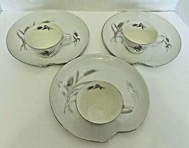 Patio Sets Snack Plates Milk White Silver Trim Silver Wheat Pattern Thre... - $22.22