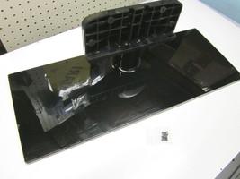 "Samsung 46"" 46UE5000 TV Stand Assy BN61-07941X w\screws - $28.95"