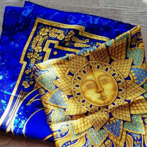 Hermes Carre 90 Scarf Stole Silk 100% CARPE DIEM Sun God Print Women Auth Rare
