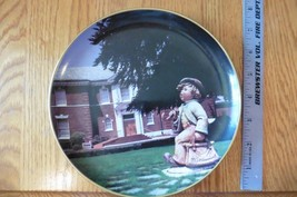 Goebel Hummel 1988 Wall Dish Plate Collector's Club Gallery NY Merry Wan... - $23.17