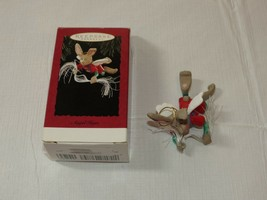 Hallmark Recuerdo Ornamento Hecho a Mano Ángel Liebre Conejo Usada - $16.00