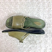 clarks Womens Sz 9 M Green Leather Slide Slip On Flat Shoes - $19.39