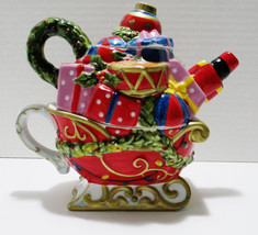 Christmas Ceramic Teapot and Cup Santas Sleigh Full of Presents Garden R... - $25.63