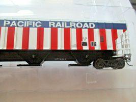 Intermountain # 453102-01 Union Pacific Bicentennial 4750' Rib-Sided Hopper (HO) image 3