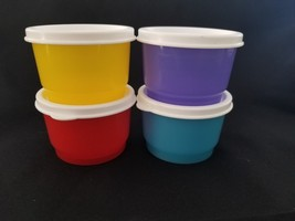 NEW Tupperware Snack Cups set purple red yellow blue 4 oz white seals snack - €14,01 EUR