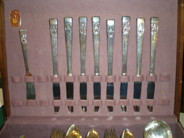 Community Silver Plate Flatware Coronation by Onieda 61 Pieces