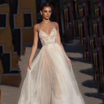 High Waist V- Neck Spaghetti Strap Backless Tulle A-Line Princess Wedding Dress image 2