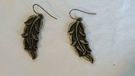 "1.5"" VINTAGE BRASS 3D FERN LEAF DANGLE HOOK EARRINGS, UNMARKED, NO DEFEC... - $4.94"