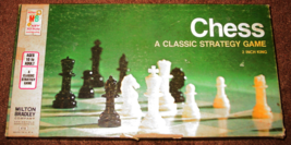 CHESS CLASSIC STRATEGY GAME 1977 MILTON BRADLEY COMPLETE WHITE PAWNS ARE... - $15.00