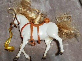 Disney Tangled Rapunzel White Maximus Horse Stallion Glitter Mane & Saddle RARE - $19.48