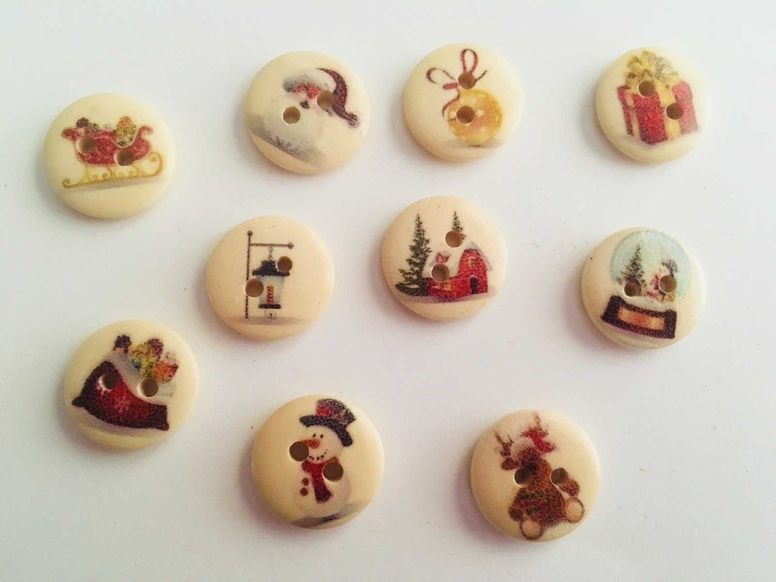 Plastic Christmas Buttons, Christmas Designs, Collectibles, Ready to Use, DIY