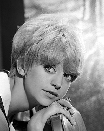 Goldie Hawn Close Up Short Hair 1960'S 16X20 Canvas Giclee
