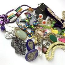 Vtg Costume Jewelry Lot Boho MOD Mixed Materials 20+ pcs Purple Yellow G... - $29.69