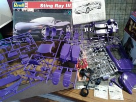 Corvette 1:25 Sting Ray 3 Concept car model kit  REVELL skills 2 1993 co... - $24.74