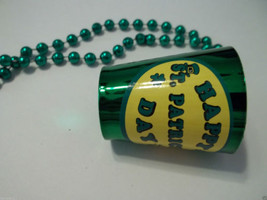 Happy St Patrick's Day Cup Beer Shot Glass Mardi Gras Bead Necklace - €4,07 EUR