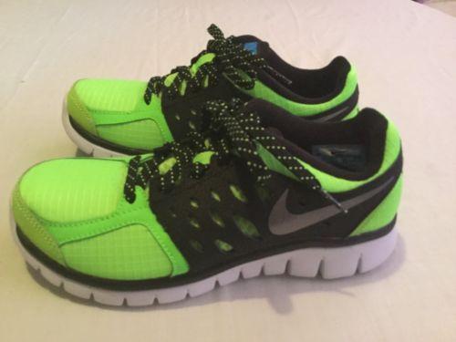 reputable site 33b6c bf6b1 Nike Flex Run shoes Boys Size 4Y sports athletic running New