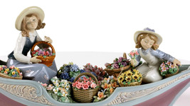 Lladro 01009203 FLOWERS FOREVER Bridal and Romanticism 9203 New in original box - $4,851.00