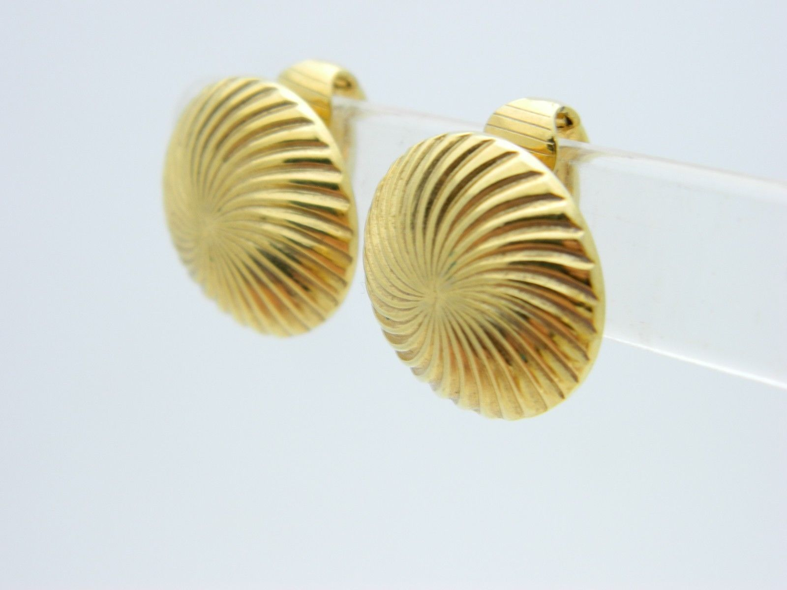 CROWN TRIFARI Gold Tone Swirl Round Clip Earrings Vintage