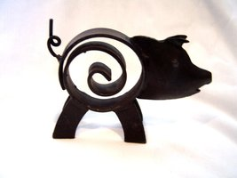Black Metal Cast Iron Pig Spiral - $14.99