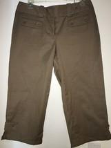 Ann Taylor Capris Capri Pants Cropped Size 4 Beige Khaki Tan $58 Button Detail - $19.99