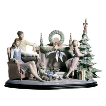 Lladro 01008260 A Family Christmas Retired New Base Incluided - $2,670.03