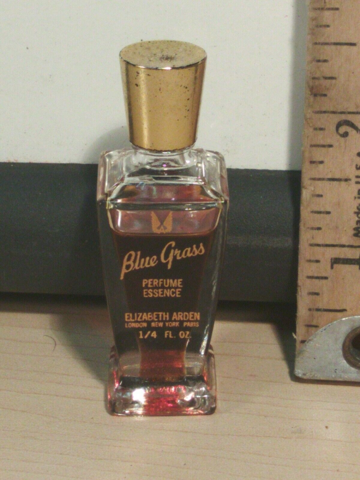Blue Grass Perfume Essence 85% of 1/4 oz Elizabeth Arden No Box