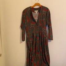 TALBOTS GREEN & RED FLORAL DRESS MEDIUM - $27.72