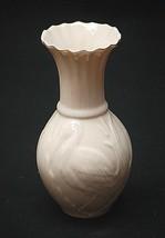 Vntage Belleek Ireland Celtic Egret Bird Vase Collectors Society Red Makers Mark - $59.39