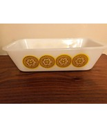 "Glasbake 9"" Loaf Pan with Gold Daisy Medallions, J522 Vintage Bake Ware - $14.99"