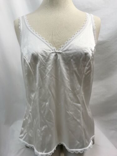 Warner's Perfect Measure 55200 White Bow Camisole, Womens Size 36
