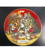 """Avon """"Sharing Christmas with Friends"""" Collectors Plate Peggy Toole 1992 ... - $9.75"""