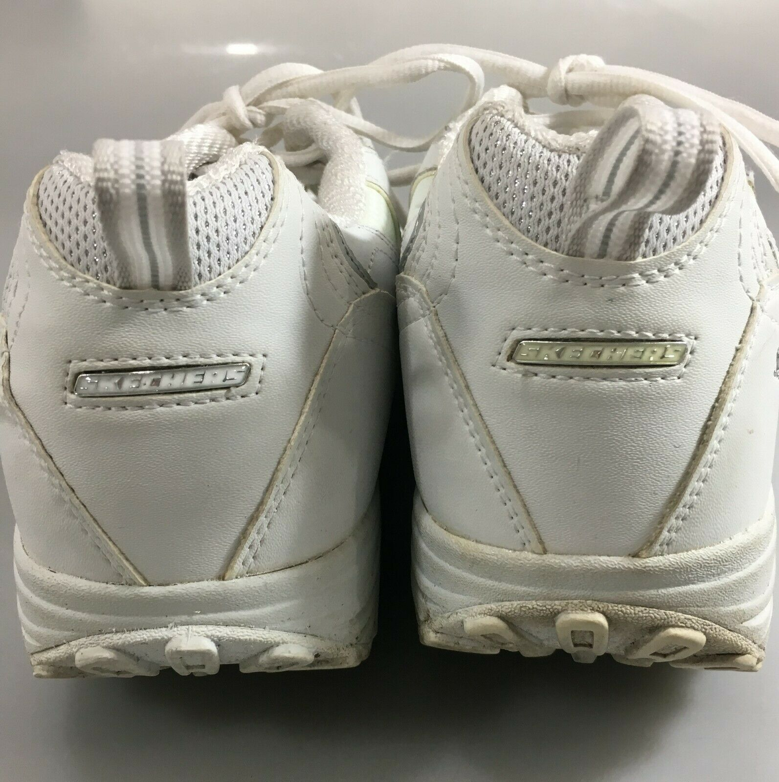 Skechers Womens 9.5 Shape-Ups White Leather Toning Gym Shoes Sneakers Kicks image 2