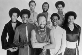 Earth, Wind & Fire in Concert smiling 1970's pose of the group 18x24 Poster - $23.99