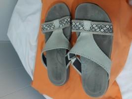 Merrell Slip-On Sandals qForm Cushioned 8 Bone Faux Leather straps - $18.37
