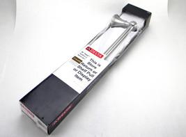 New Delta Crestfield 18 in. Towel Bar in SpotShield Brushed Nickel 138029 - $6.27