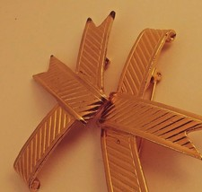 VINTAGE GOLD TONE RIBBON INPIRED SCATTER PINS, ESTATE COSTUME JEWELRY - $4.95
