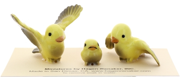 Hagen-Renaker Miniature Ceramic Bird Figurine Canary Tweetie Pa, Ma & Baby Set