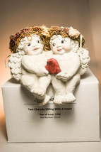 Dreamsicles Two Cherubs Sitting With Heart  DR2110  Classic Figure - $28.70