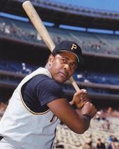 WILLIE STARGELL 8X10 PHOTO PITTSBURGH PIRATES BASEBALL MLB - $3.95