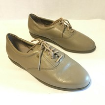 Easy Spirit Size 6.5 B Tan Leather Sneakers / Walking Shoes - Near Mint - €14,68 EUR