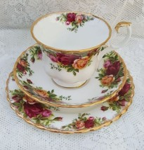 Royal Albert Bone China Old Country Roses Trio Tea Cup Saucer Side Plate... - $19.43