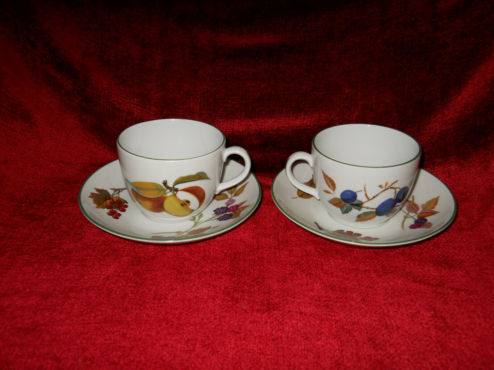 Royal Worcester Evesham Vale set of 2 cups and saucer