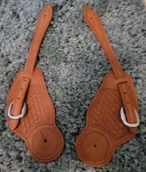 Basketweave spur straps