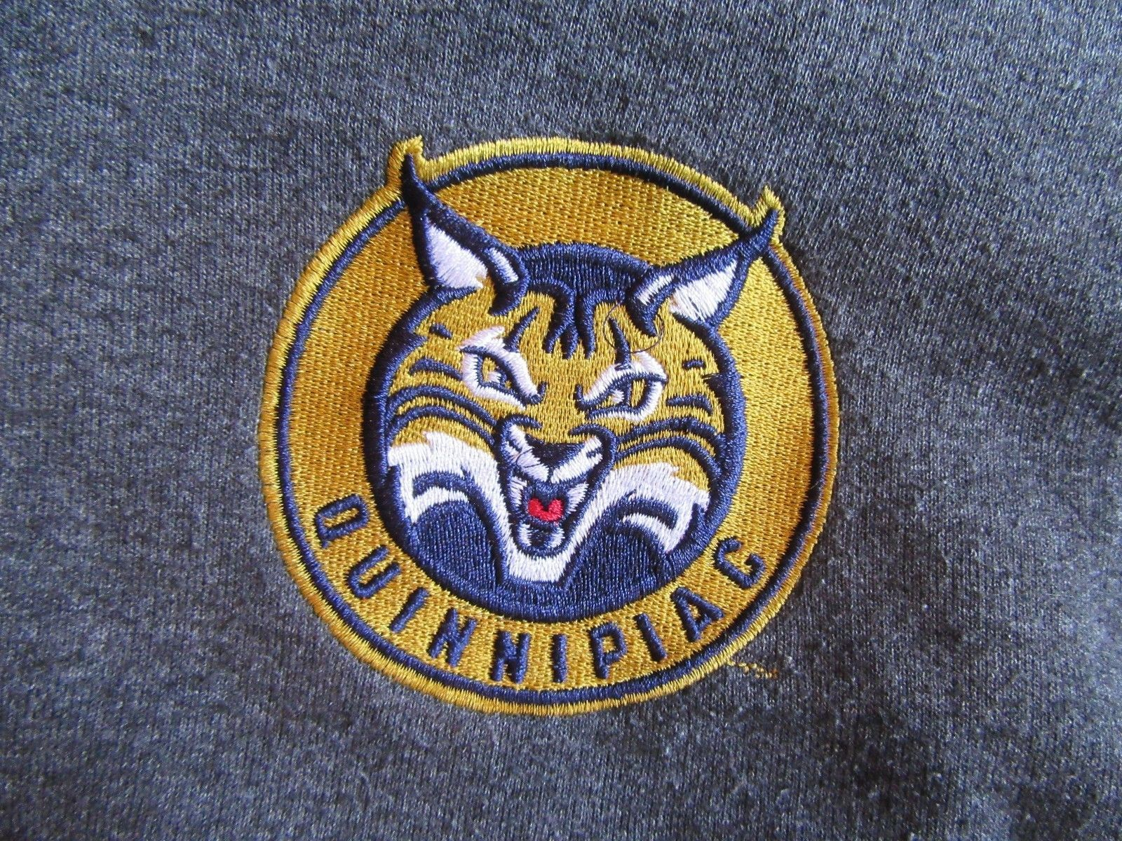 6Z/#2/QUINNIPIAC WOMENS PRE-OWNED SWEATSHIRT/GRAY/CHAMPION ECO FLEECE/SM!