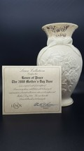 2000 Lenox Roses of Peace Fine Ivory Vase Limited Edition Box Credentials - $30.00