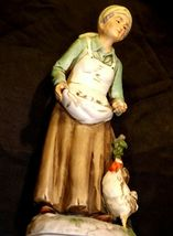 Figurine of Old Woman gathering eggs HOMCO 1434 AA19-1619 Vintage image 3