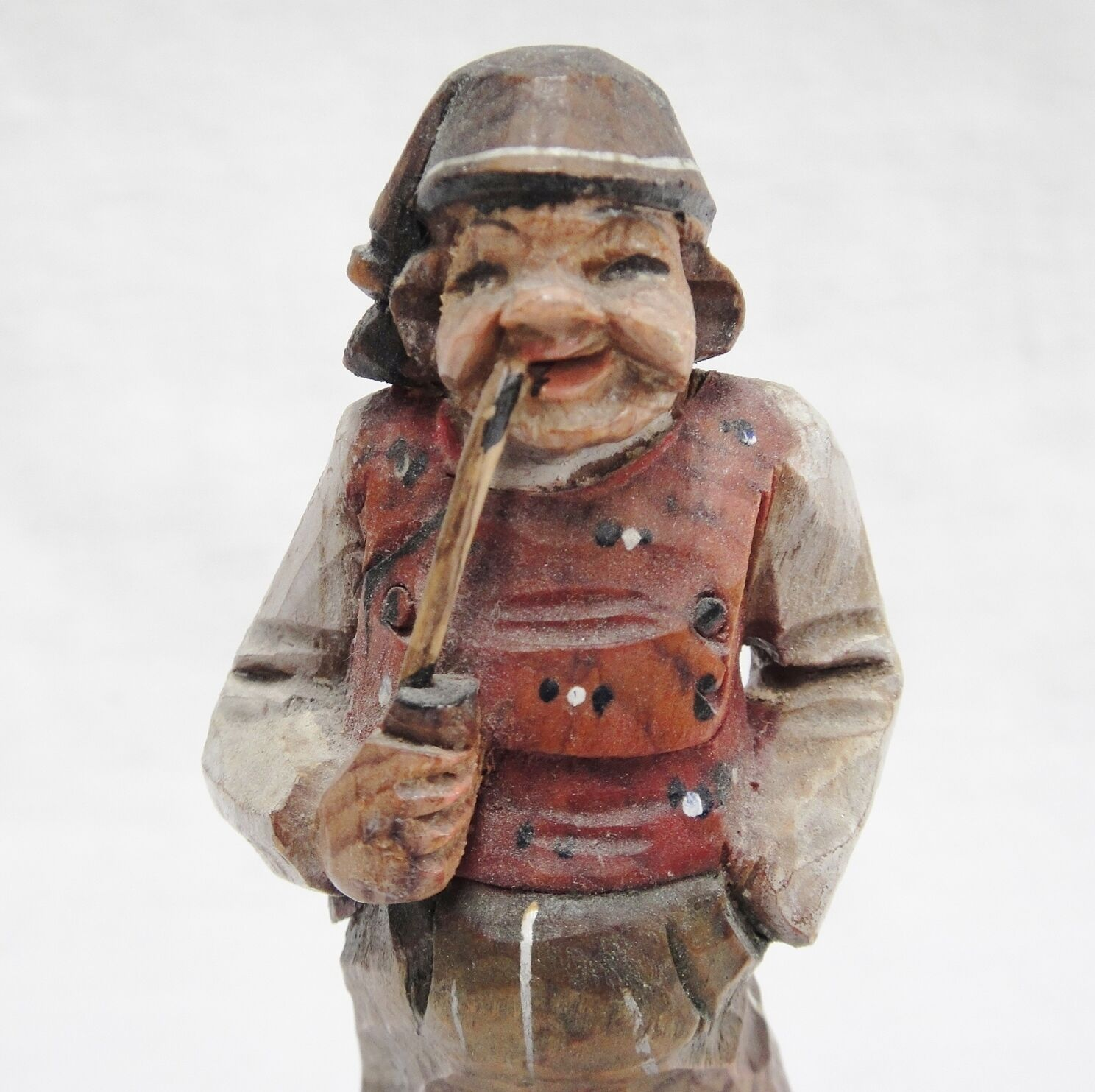 """Wooden Carved Figurine Man Smoking Long Churchwarden Pipe 5.5"""" Tall"""
