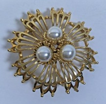 Vintage 1960's Stamped Lisner Gold Tone Faux Pearl Sun 3 Tier Round Brooch Pin  - $12.63