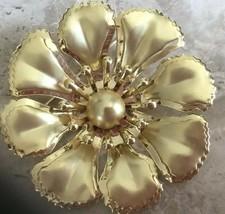 "VINTAGE RETRO POLISHED GOLD TONE 2"" FLOWER PIN - $9.49"