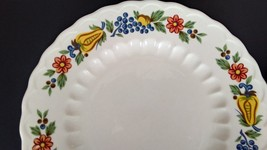 "Knowles Concord Styled by KALLA 10"" Round Scalloped Edge Plates Floral F... - $11.30"
